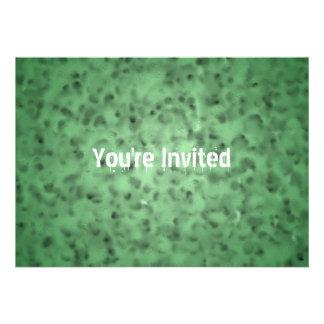 Verde abigarrado invitación personalizada
