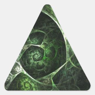 Verde abstracto de la piel de serpiente pegatina triangular