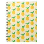 Verde amarillo del modelo de la piña libros de apuntes con espiral
