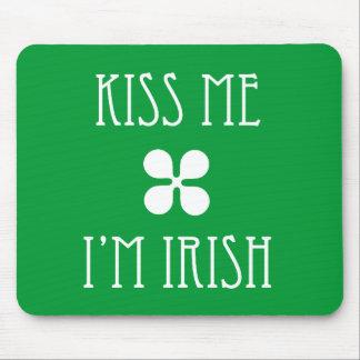 Verde béseme que soy irlandés Mousepad