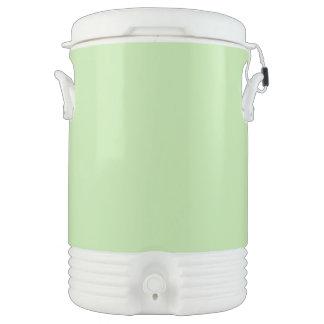 Verde claro enfriador de bebida igloo