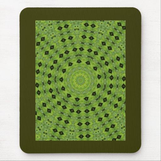 Verde con diseño del fractal del diamante negro tapetes de ratones