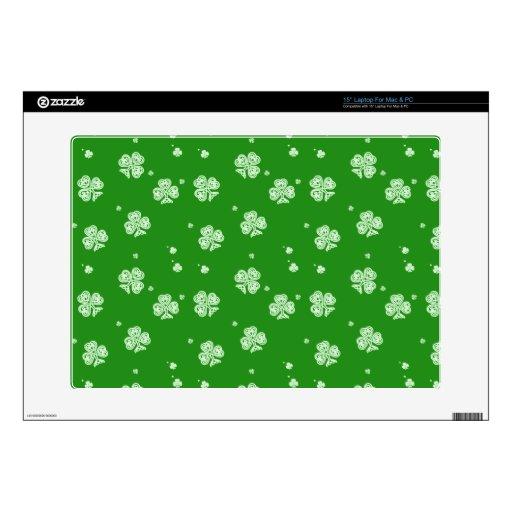 Verde con la caja blanca de los tréboles portátil skin