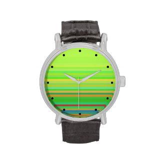 Verde con las rayas relojes