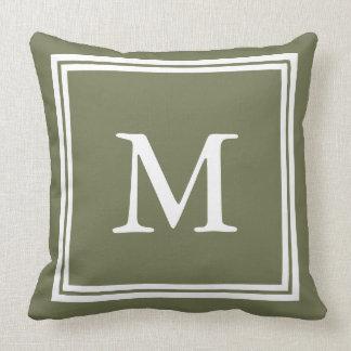 Verde de Camo con el monograma blanco del marco Cojín Decorativo