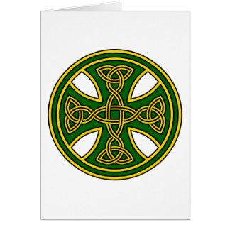 Verde de la armadura del doble de la cruz céltica tarjeta de felicitación