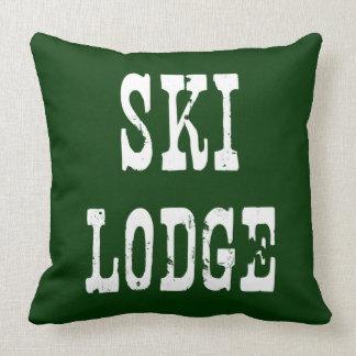 Verde de la casa de campo del esquí cojines