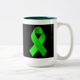 Verde de la cinta de la ayuda de la conciencia taza de dos tonos