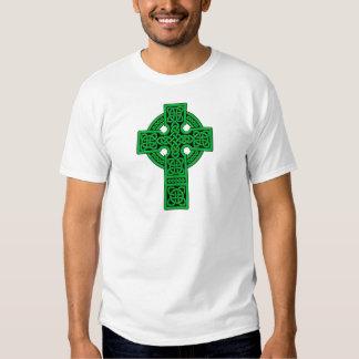 Verde de la cruz céltica camisas