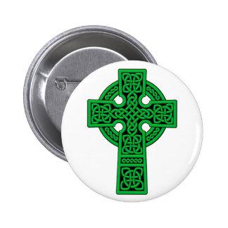 Verde de la cruz céltica pin redondo 5 cm