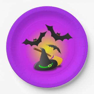 Verde de la escoba del gorra y púrpura del palo platos de papel