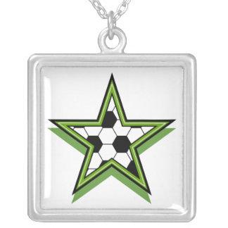 verde de la estrella de fútbol colgante cuadrado