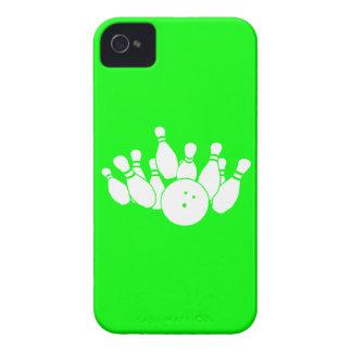 verde de la silueta del iPhone que rueda 4 Funda Para iPhone 4