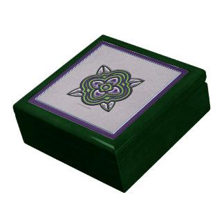 Verde de Quatrefoils en púrpura Caja De Regalo Cuadrada Grande