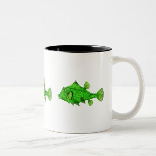 Verde de Turretfish del Humpback Taza De Café De Dos Colores