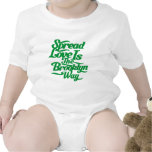 Verde del amor de Brooklyn Camisetas