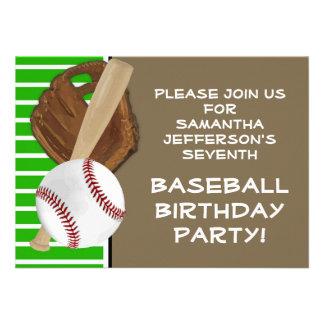 Verde del béisbol cumpleaños fiesta de Brown Invitación Personalizada