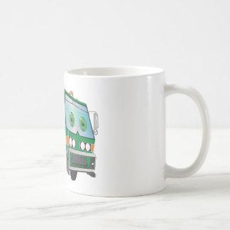 Verde del camión de basura del dibujo animado taza de café