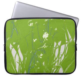 verde del campo de la manzanilla funda computadora