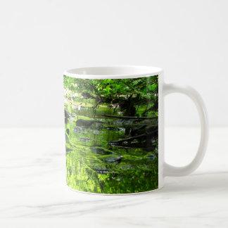 Verde del charco taza