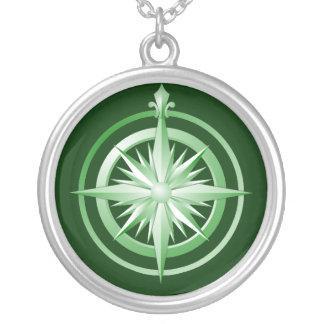 Verde del collar de la plata esterlina del compás