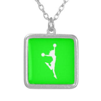 Verde del collar de la silueta de la alegría 2