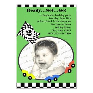 """Verde del cumpleaños del tiempo de la raza invitación 5"""" x 7"""""""