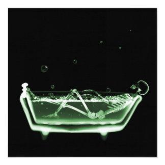 """Verde del esqueleto de la radiografía de la tina invitación 5.25"""" x 5.25"""""""