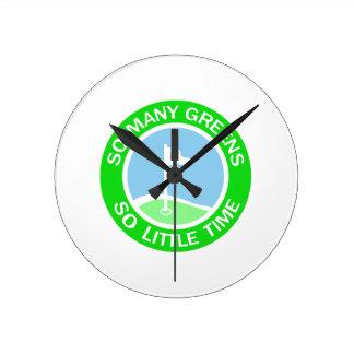 Verde del golf reloj redondo mediano