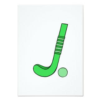 """Verde del palillo de hockey hierba invitación 5"""" x 7"""""""