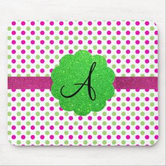 Verde del rosa de los lunares del monograma alfombrilla de raton