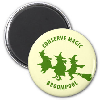 Verde divertido de las brujas de Halloween Iman De Frigorífico