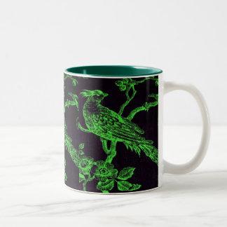 Verde en taza bosquejada negra del modelo del
