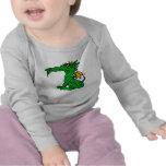 Verde enojado del dragón camiseta