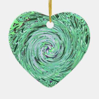 Verde especialmente adorno de cerámica en forma de corazón