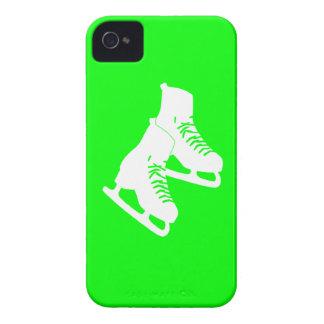 Verde intrépido de los patines de hielo de Blackbe iPhone 4 Case-Mate Funda