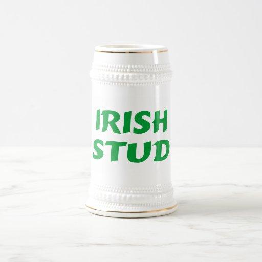 Verde irlandés del perno prisionero jarra de cerveza