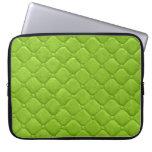 Verde lima acolchada de la mirada mangas portátiles