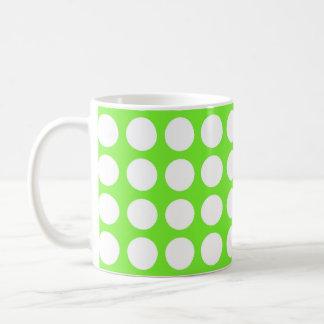 Verde lima de neón y lunares blancos grandes tazas