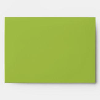 verde lima del sobre 5x7 fuera del interior rayado