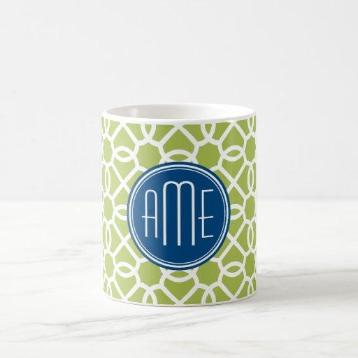 Verde lima y monogramas geométricos azules del mod taza