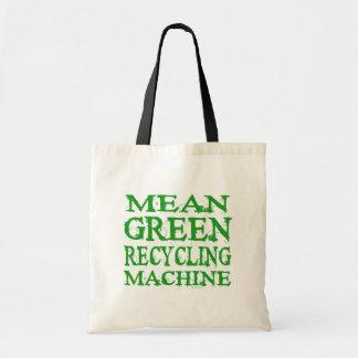 Verde malo que recicla bolsos de la máquina bolsa