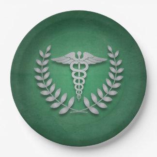 Verde + Médicos fiesta del caduceo de plata Plato De Papel De 9 Pulgadas