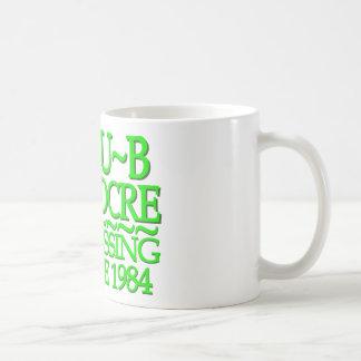 Verde mediocre del club taza básica blanca