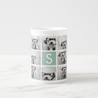 Verde menta de encargo del monograma del collage d tazas de porcelana