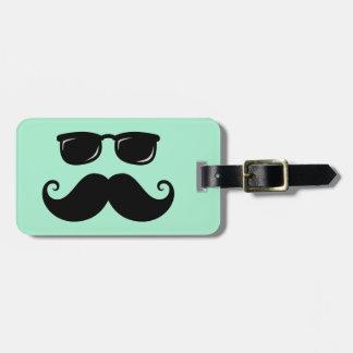 Verde menta divertida del bigote y de la cara de l etiquetas de maletas