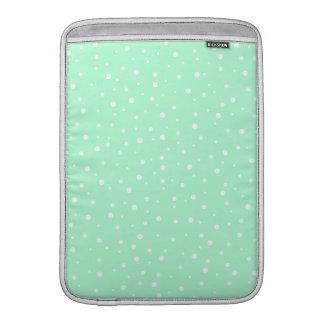 Verde menta en colores pastel con el modelo de pun fundas MacBook