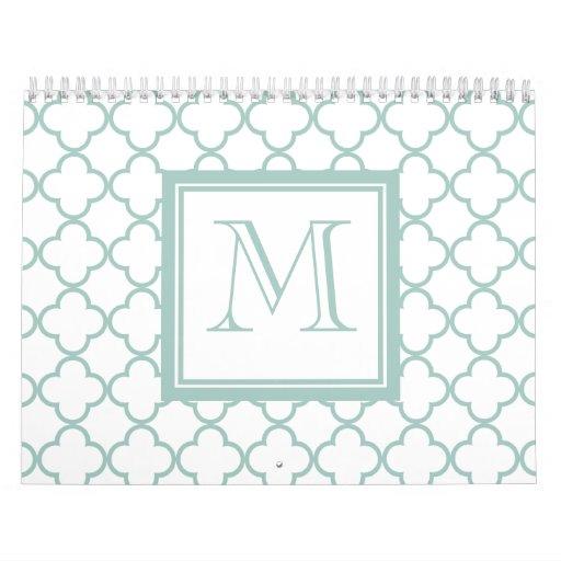 Verde menta, Quatrefoil blanco el | su monograma Calendarios De Pared