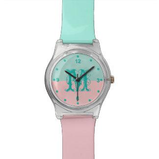 Verde menta y reloj rosado del monograma del bloqu