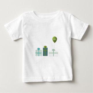 Verde moderno y cumpleaños de la turquesa feliz playera